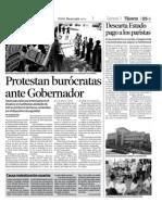 Protestan burocratas ante Gobernador