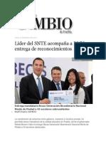 26-09-2013 Diario Matutino Cambio de Puebla - Líder del SNTE acompaña a RMV en entrega de reconocimientos