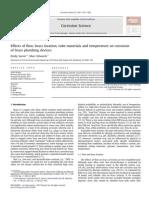Efeitos do fluxo, a localização de latão, materiais do tubo e da temperatura sobre a corrosão dos dispositivos de canalização de latão.pdf