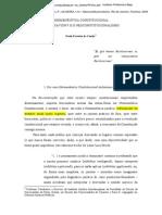 Paulo Ferreira da Cunha - Hermenêutica constitucional - entre Savigny e o neoconstitucionalismo.pdf