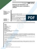 NBR 13714 - 2000 - Sistemas de hidrantes e de mangotinhos para combate a incêndio.PDF