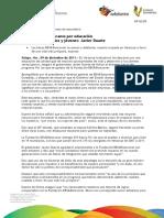 09 12 2011- El gobernador del estado, Javier Duarte entregó becas del programa Por los que se quedan de la Fundación BBVA Bancomer, evento que se llevó a cabo el 9 de diciembre de 2011.