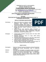 8.2.2.2 SK PERSYARATAN PETUGAS YANG BERHAK MENYEDIAKAN OBAT.pdf