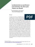 Saberes fundamentais ao professor sobre financiamento da educação no Brasil (Nascimento, Silva).pdf
