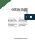Entre_Mussolini_e_Plinio_Salgado_o_Fasci.pdf