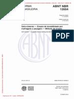 NBR - 13554 - Solo Cimento, durabilidade por molhagem e secagem.pdf