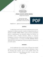 Auto de la  Corte Suprema  que libró la captura de  Álvaro Uribe