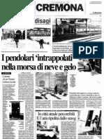 """I pendolari 'intrappolati' nella morsa di neve e gelo (""""La Provincia"""", 02-02-2012, p. 17)"""