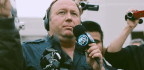Conspiracy Theorist Alex Jones Apologizes For Promoting 'Pizzagate'