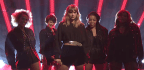 Taylor Swift, New And Old, Returns To 'Saturday Night Live'