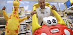 Billionaire Toy Magnate Insists His Crowdfunding Campaign To Save Toys R Us Is A Not A Stunt