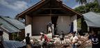 6.9-Magnitude Earthquake Hits Indonesia's Lombok Island