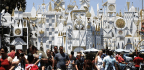 Disneyland To Rely On Low-tech Fixes For This Summer's Stars Wars Congestion