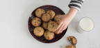 Social Media May Sway Kids To Eat More Cookies — And More Calories